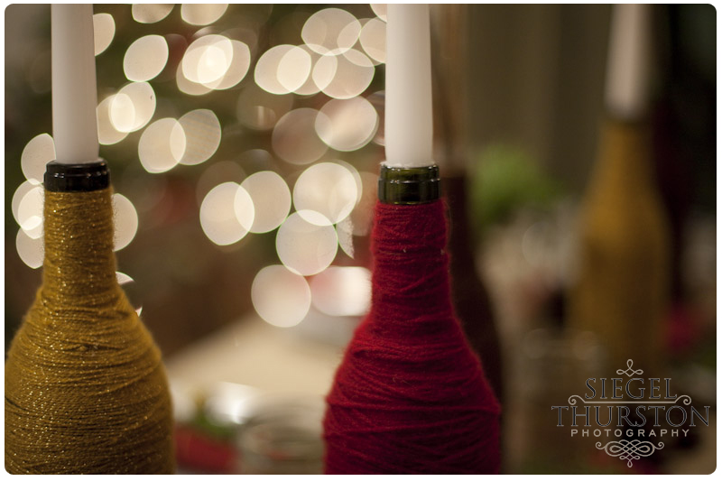 DIY table decorations wine bottles wrapped in yarn