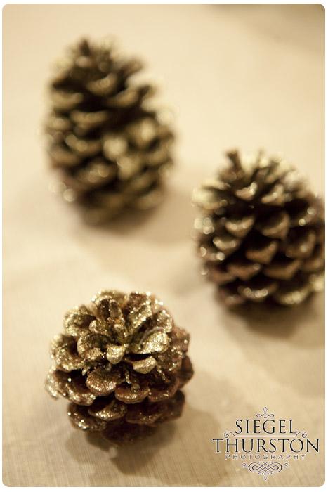 DIY gold glitter spray festive pine cones